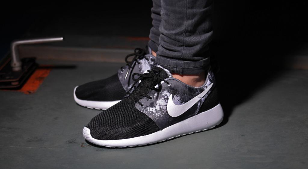 sports shoes a63ad a531c ... usa nike rosherun shop a4d0b eddcb