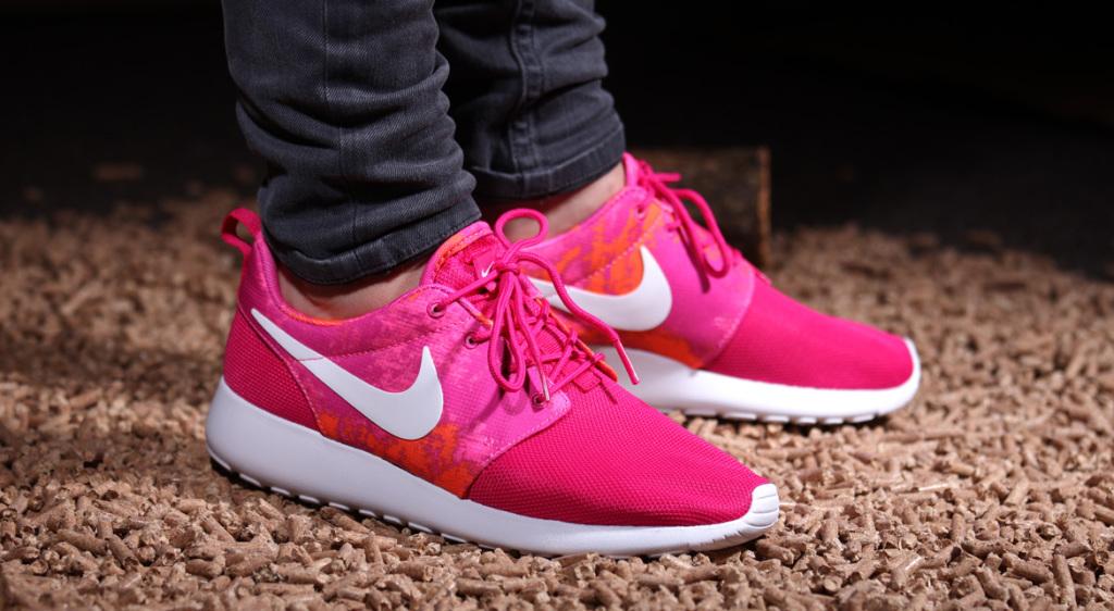"Nike Roshe Run ""Fireberry"" | AFEW NEWSBLOG"
