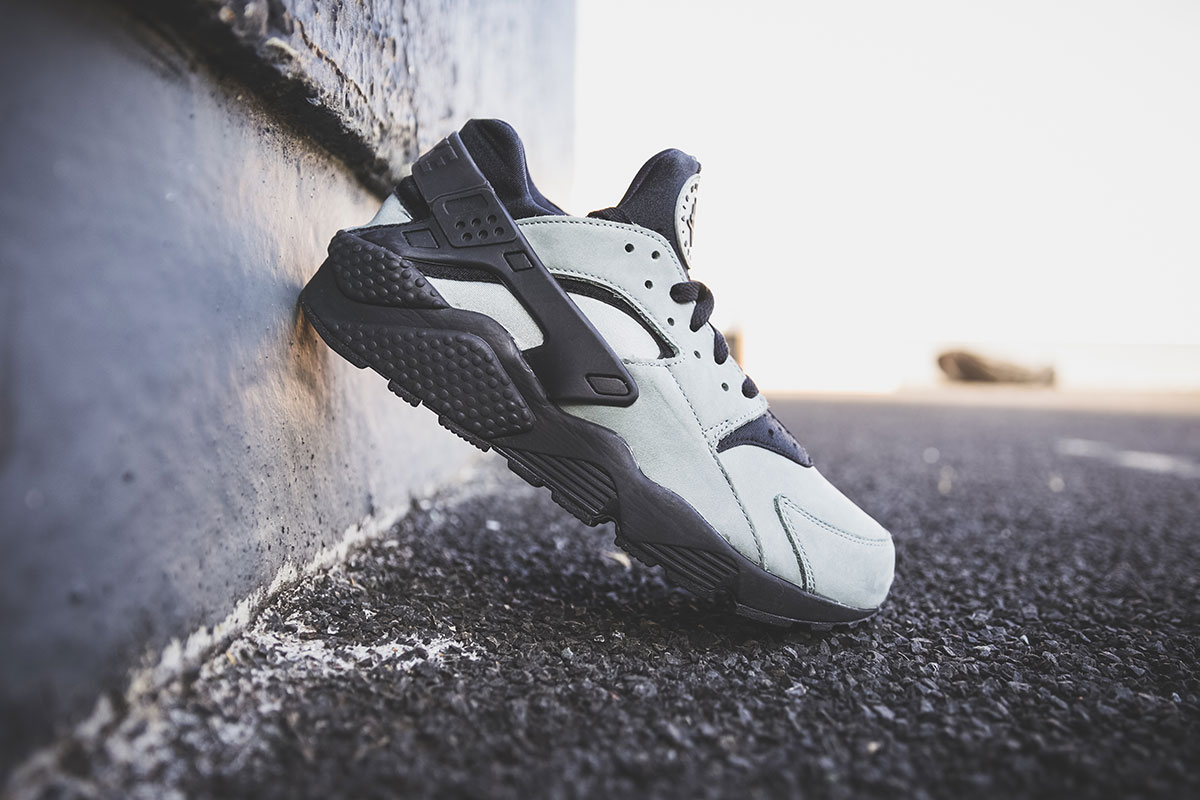 Nike Huarache Dark Grey